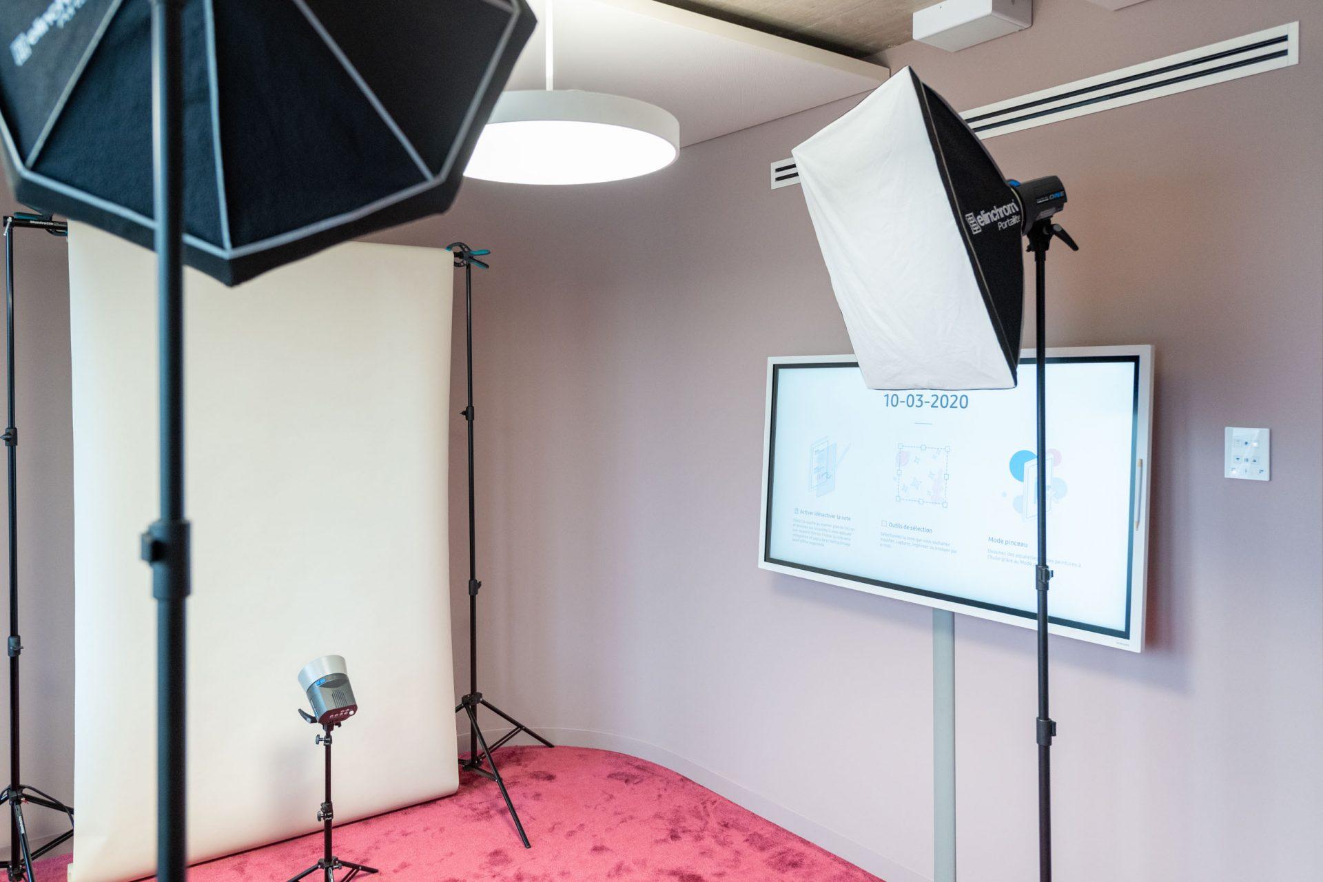 Studio photo mobile portrait Genève entreprise trombinoscope